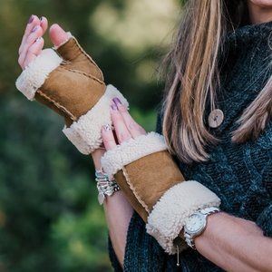 New Sheepskin Shearling Fingerless Glove Tan Black